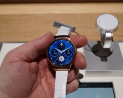 Huawei Watch Elegant Jewel CES 2016