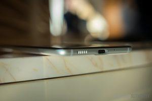 HTC U Ultra design