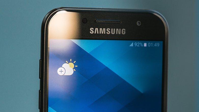 Samsung Galaxy A3 (2017) display