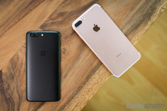 OnePlus 5 و Apple iPhone 7 Plus
