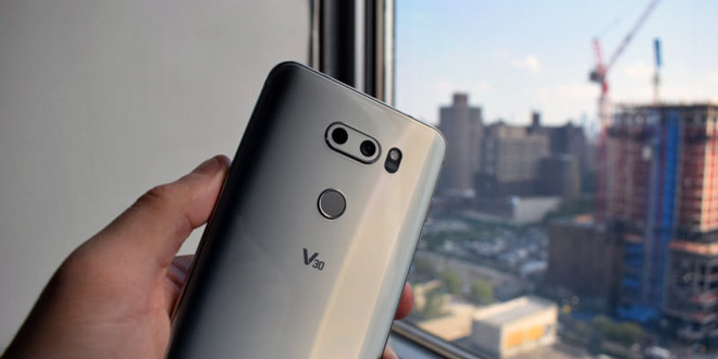 الجی V30