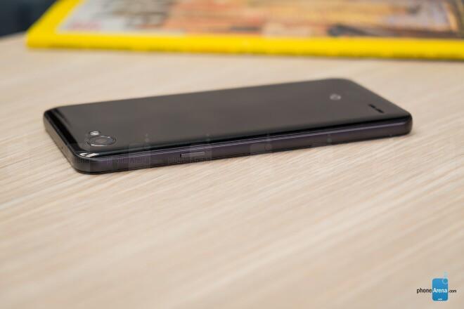 طراحی LG Q6