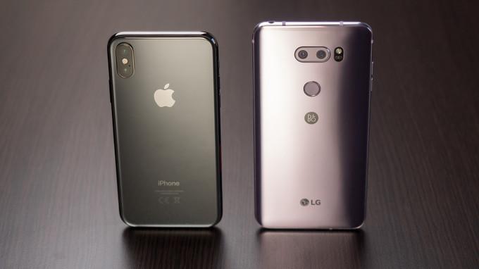 LG V30 و iPhone X