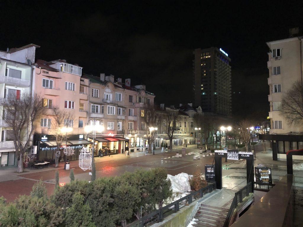 نمونه عکس ثبت شده با آیفون X در شب