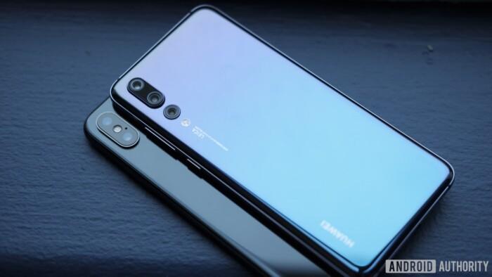 گوشی های iPhone X و Huawei P20 Pro