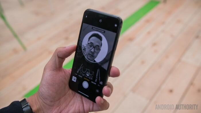 گوشی های آیفون X و هواوی P20 پرو