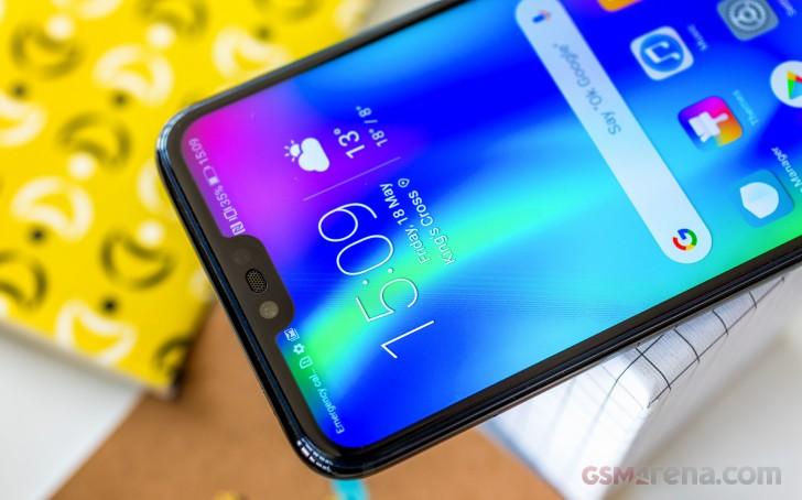 صفحه نمایش، طراحی و کیفیت ساخت گوشی آنر 10