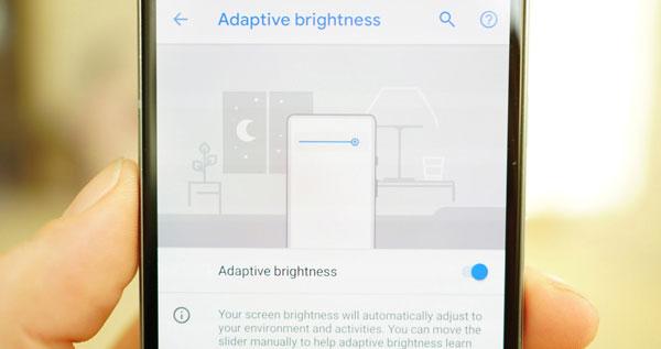 روشنایی تطبیقی در اندروید پی