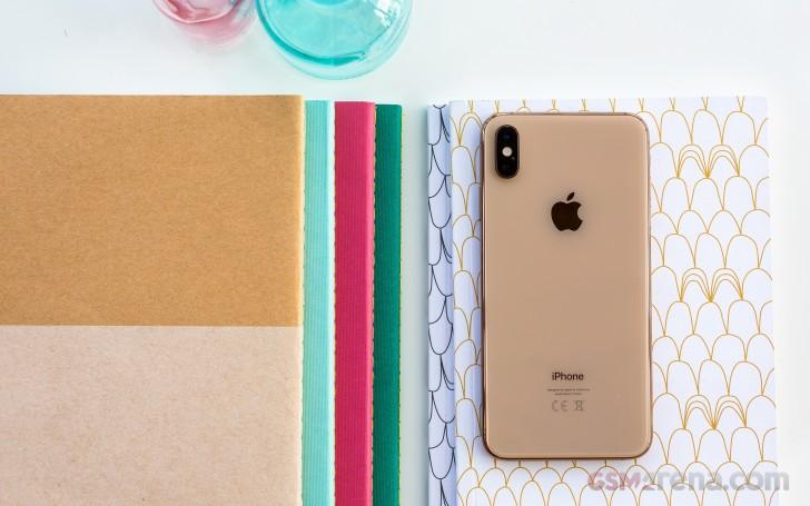 طراحی بخش پشتی iPhone XS Max