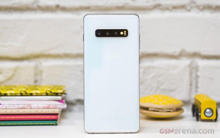 طراحی بخش پشتی Galaxy S10 Plus