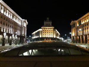 لنز معمولی در شب