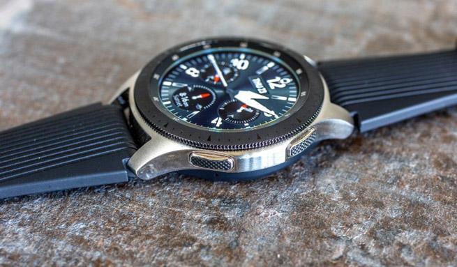 Galaxy Watch با حلقه مشکی