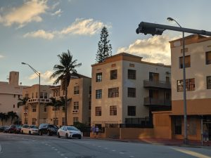 روز، دوربین تله فوتو، زوم 2 برابری